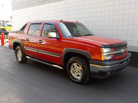 2005 Chevrolet Avalanche for sale at C & C MOTORS in Chattanooga TN