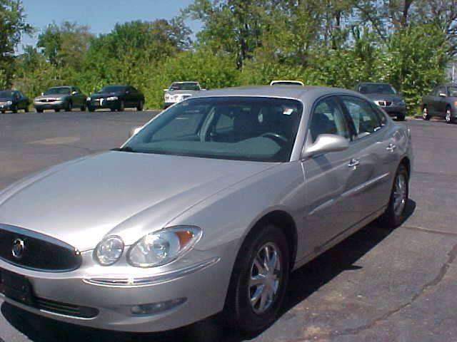 2006 Buick LaCrosse for sale at Bates Auto & Truck Center in Zanesville OH