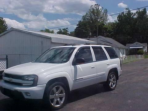2004 Chevrolet TrailBlazer for sale at Bates Auto & Truck Center in Zanesville OH