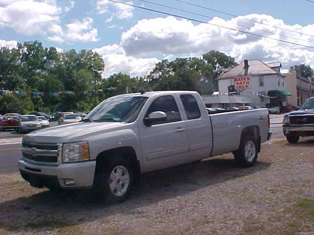2011 Chevrolet Silverado 1500 for sale at Bates Auto & Truck Center in Zanesville OH