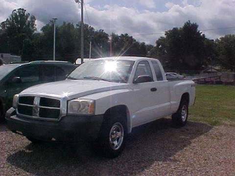 2007 Dodge Dakota for sale at Bates Auto & Truck Center in Zanesville OH