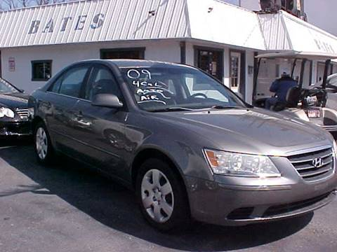 2009 Hyundai Sonata for sale at Bates Auto & Truck Center in Zanesville OH