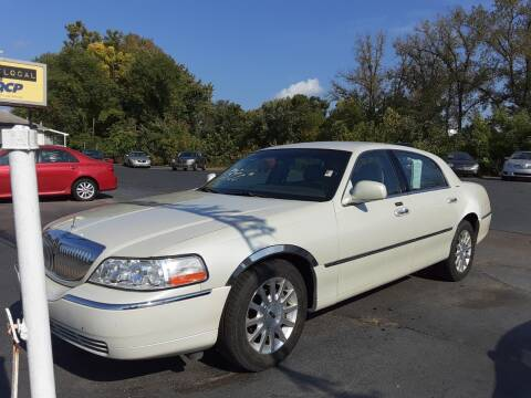 2006 Lincoln Town Car for sale at Bates Auto & Truck Center in Zanesville OH