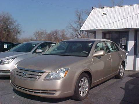 2006 Toyota Avalon for sale at Bates Auto & Truck Center in Zanesville OH