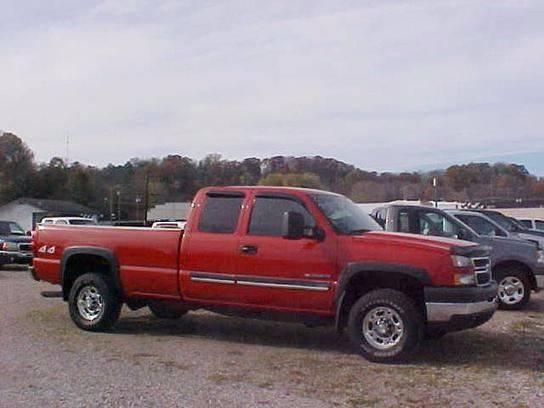 2007 Chevrolet Silverado 2500HD Classic for sale at Bates Auto & Truck Center in Zanesville OH