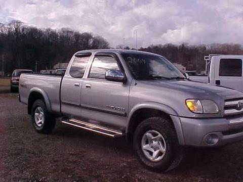 2004 Toyota Tundra for sale at Bates Auto & Truck Center in Zanesville OH