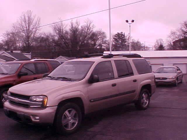 2004 Chevrolet TrailBlazer EXT for sale at Bates Auto & Truck Center in Zanesville OH