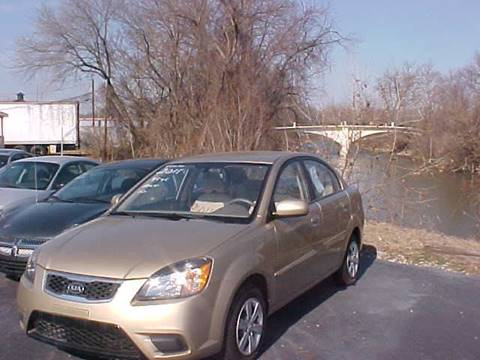 2011 Kia Rio for sale at Bates Auto & Truck Center in Zanesville OH