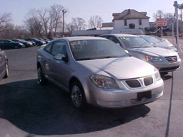 2009 Pontiac G5 for sale at Bates Auto & Truck Center in Zanesville OH