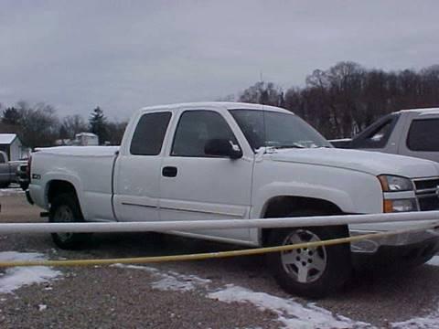 2006 Chevrolet Silverado 1500 for sale at Bates Auto & Truck Center in Zanesville OH