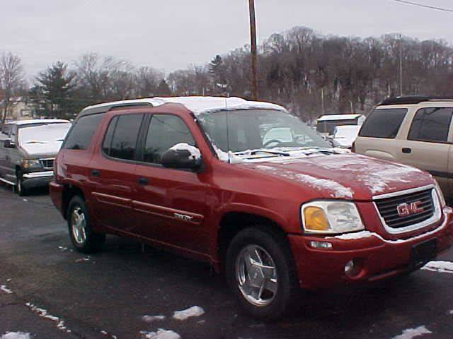 2004 GMC Envoy XUV for sale at Bates Auto & Truck Center in Zanesville OH