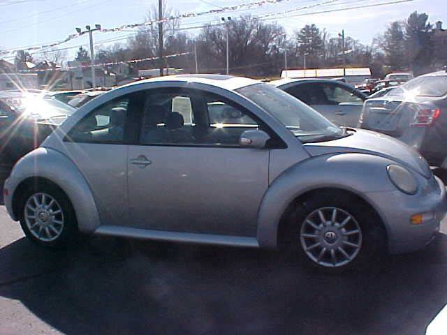 2005 Volkswagen New Beetle for sale at Bates Auto & Truck Center in Zanesville OH