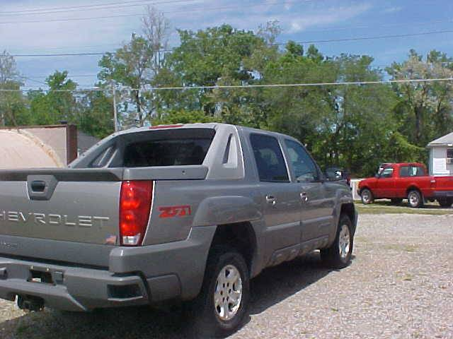 2002 Chevrolet Avalanche for sale at Bates Auto & Truck Center in Zanesville OH