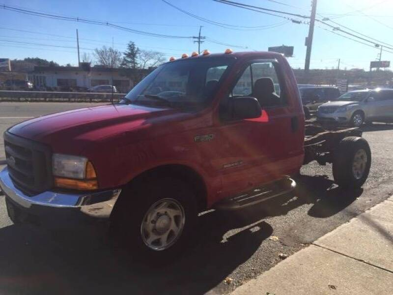 2001 Ford F-350 Super Duty for sale at 222 Newbury Motors in Peabody MA