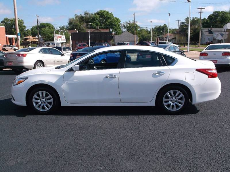 2016 Nissan Altima for sale at Jacksons Car Corner Inc in Hastings NE