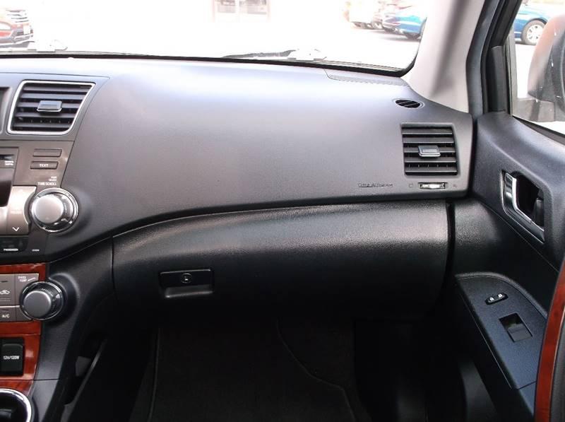 2011 Toyota Highlander for sale at Jacksons Car Corner Inc in Hastings NE