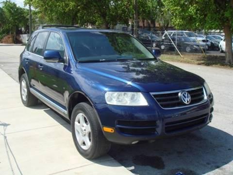 2006 Volkswagen Touareg for sale in Miami, FL