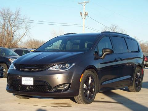 2020 Chrysler Pacifica for sale at Nemaha Valley Motors in Seneca KS