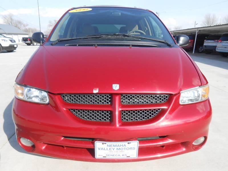 2000 Dodge Grand Caravan for sale at Nemaha Valley Motors in Seneca KS