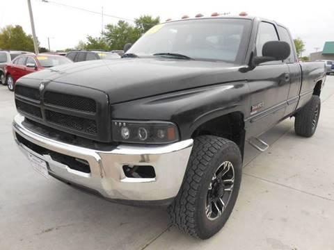 2001 Dodge Ram Pickup 2500 for sale at Nemaha Valley Motors in Seneca KS