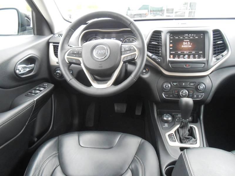 2017 Jeep Cherokee for sale at Nemaha Valley Motors in Seneca KS