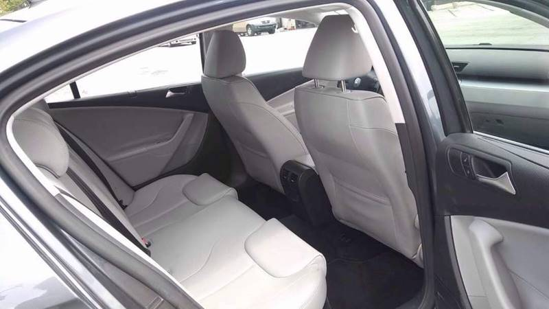 2009 Volkswagen Passat Komfort 4dr Sedan - Lake City GA