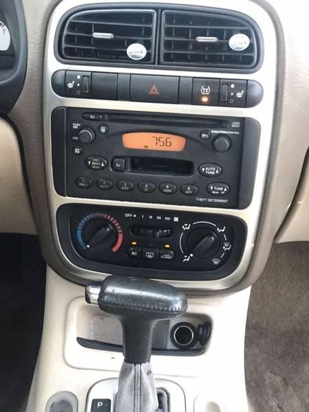 2004 Saturn L300 2 4dr Sedan - Lake City GA