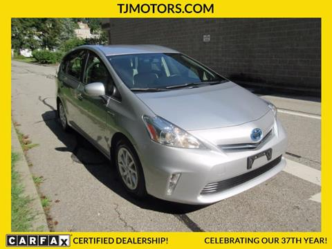 2012 Toyota Prius v for sale in New London, CT