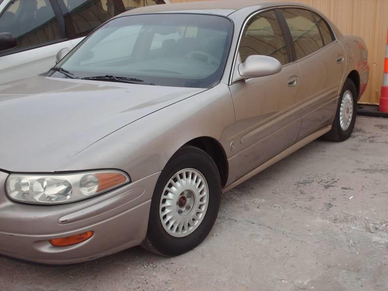 2000 Buick LeSabre for sale at A-1 USED CARS in Pleasant Valley MO