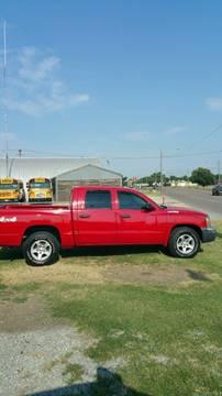 2005 Dodge Dakota for sale at Yellow Brick Road Auto Sales in Larned KS