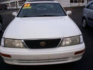 1996 Toyota Avalon for sale in Oakdale, CT