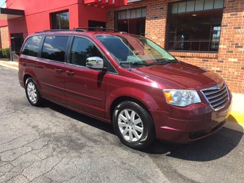 2008 Chrysler Town and Country for sale in Elkton, MD