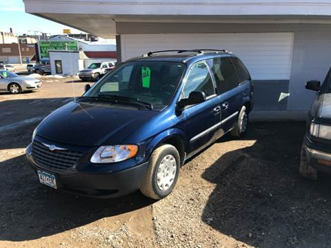 2004 Chrysler Town and Country for sale at MANN MOTORS in Albert Lea MN