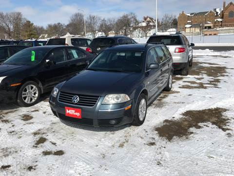 2002 Volkswagen Passat for sale at MANN MOTORS in Albert Lea MN