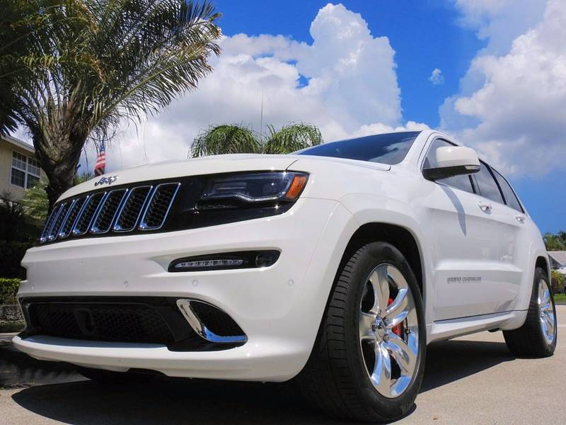 Superior 2014 Jeep Grand Cherokee SRT