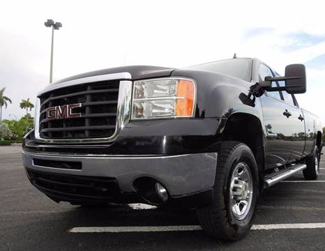 2008 GMC Sierra 2500HD for sale at M.D.V. INTERNATIONAL AUTO CORP in Fort Lauderdale FL