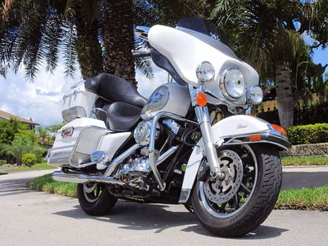 2008 Harley Davidson  Electraglide FLHTC Classic for sale at M.D.V. INTERNATIONAL AUTO CORP in Fort Lauderdale FL