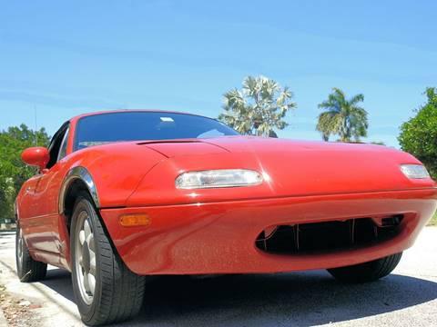 1992 Mazda MX-5 Miata for sale at M.D.V. INTERNATIONAL AUTO CORP in Fort Lauderdale FL