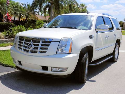 2007 Cadillac Escalade for sale at M.D.V. INTERNATIONAL AUTO CORP in Fort Lauderdale FL