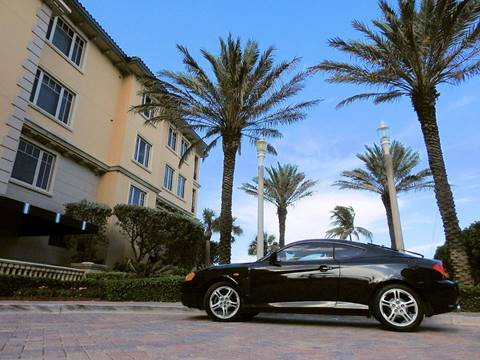 2004 Hyundai Tiburon for sale at M.D.V. INTERNATIONAL AUTO CORP in Fort Lauderdale FL