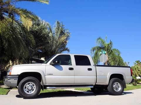 2004 Chevrolet Silverado 2500 for sale at M.D.V. INTERNATIONAL AUTO CORP in Fort Lauderdale FL