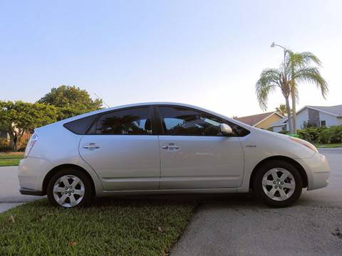 2006 Toyota Prius for sale at M.D.V. INTERNATIONAL AUTO CORP in Fort Lauderdale FL