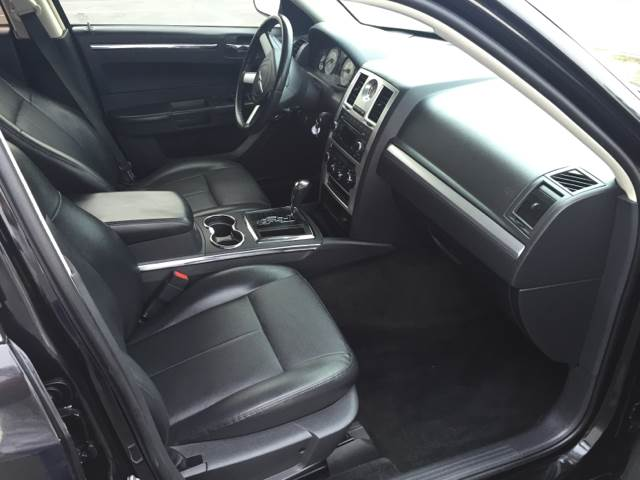 2010 Chrysler 300 for sale at Americar Auto Expert in San Diego CA