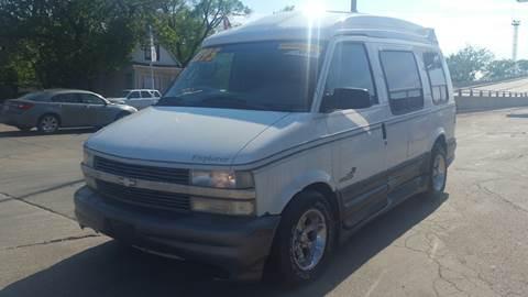 1998 Chevrolet Astro for sale in Calumet Park, IL