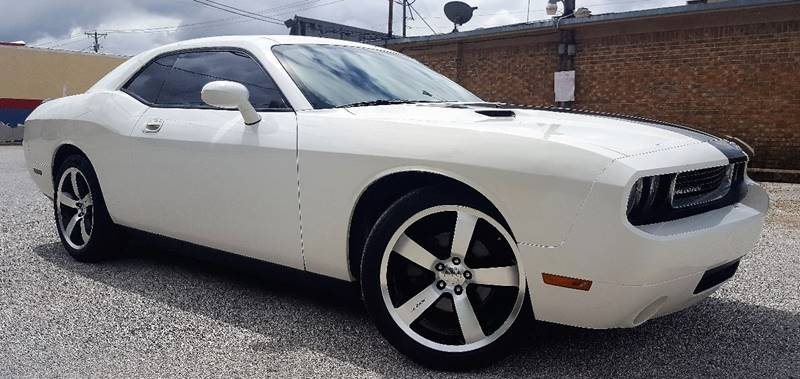 2009 Dodge Challenger for sale at ULTIMATE MACHINE in Arlington TX