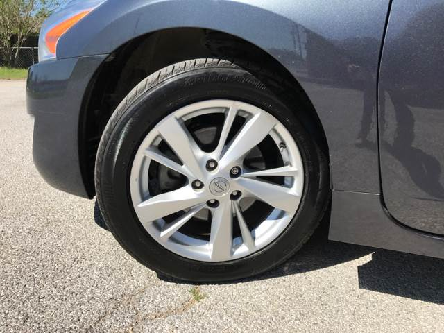2013 Nissan Altima for sale at ULTIMATE MACHINE in Arlington TX