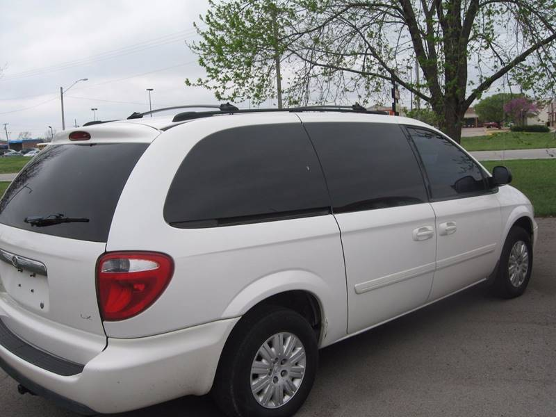 2005 Chrysler Town and Country for sale at Jim Tawney Auto Center Inc in Ottawa KS