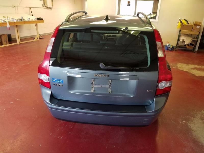 2005 Volvo V50 for sale at Advance Auto Group, LLC in Manchester NH