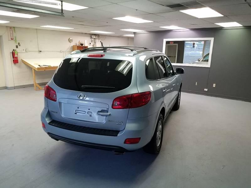 2007 Hyundai Santa Fe for sale at Advance Auto Group, LLC in Manchester NH