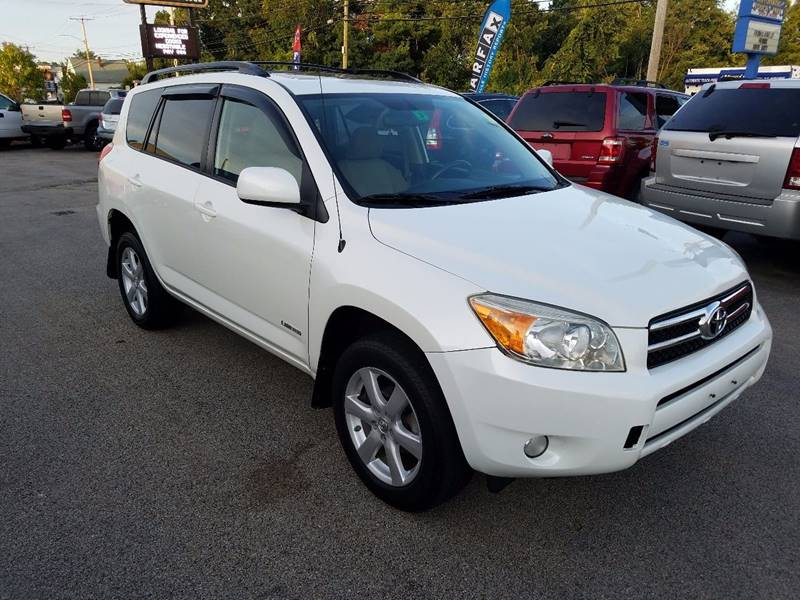 2006 Toyota RAV4 for sale at Advance Auto Group, LLC in Manchester NH
